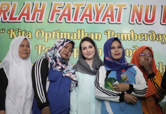 Arumi Bachsin Semarakkan Harlah Fatayat NU