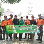 Cegah Corona, Ansor Semprot Disinfektan 400 Masjid