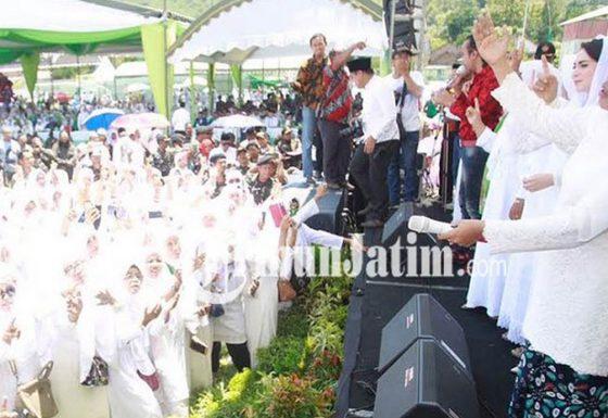 20 Ribu Muslimat Blitar Menyapa Calon Gubernur Jatim